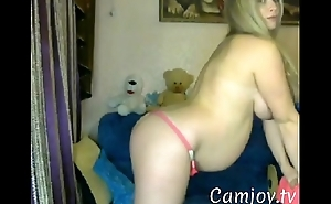 Pregnant milf does striptease on cam