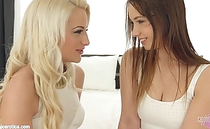 Fingering bliss by Sapphic Erotica - lesbian love porn with Taylor Sands - Anast