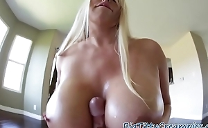 Faketits milf jizzed on tits after titjob