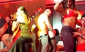 Bi pornstars toy twats and fuck dicks at orgy party